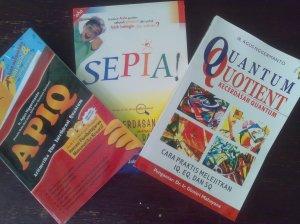 Tiga Buku Karyaku